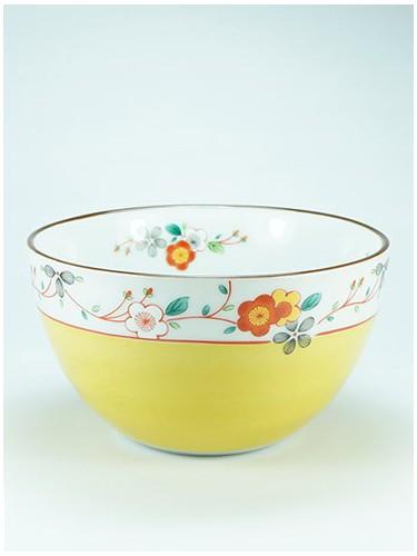 Bol jaune avec des fleurs Osai Koume