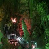 🇬🇧 The Abukuma-do cave 👷close to Iwaki city 🌇 Thanks to the agency @japan_wonder_travel for the opportunity to visit it! 💖 🇫🇷 La grotte de Abukuma-do 👷près de la ville d'Iwaki 🌃 Merci à l'agence @japan_wonder_travel pour cette opportunité de la visiter 💕 . . #Japan #Japon #cave #grotte #Iwaki #Fukushima #speleology #speleologie #JapanWonderTravel #japan_focus #japangram #japanphotography #japantourism #japantravel #japanlover #japantrip #funjapantravel #japanlover #funjapan